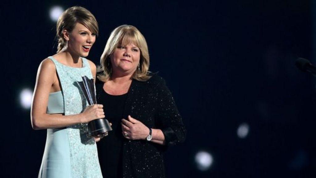 Taylor Swift y su madre, Andrea