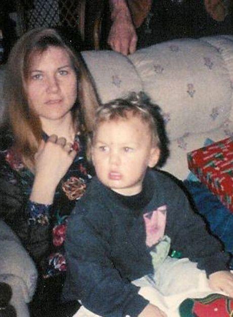 Bryan Jackson con su madre.