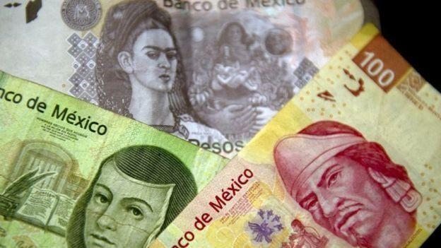 Pesos mexicanos.