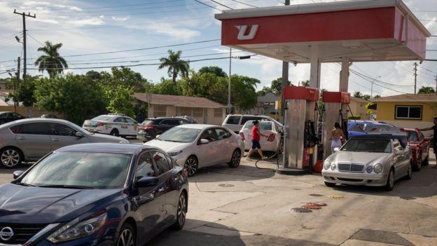 El huracán Irma llega a Miami y hay alerta máxima — En vivo