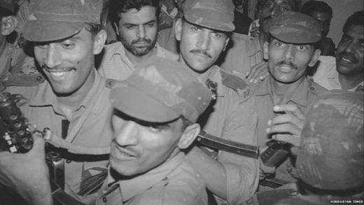 Yakub Memon with a police guard in Mumbai