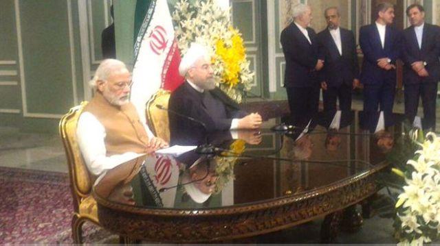प्रधानमंत्री नरेंद्र मोदी और ईरान के राष्ट्रपति हसन रूहानी.