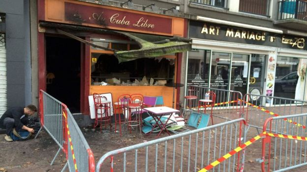 Outside of bar damaged by fire in Rouen (6 August 2016)