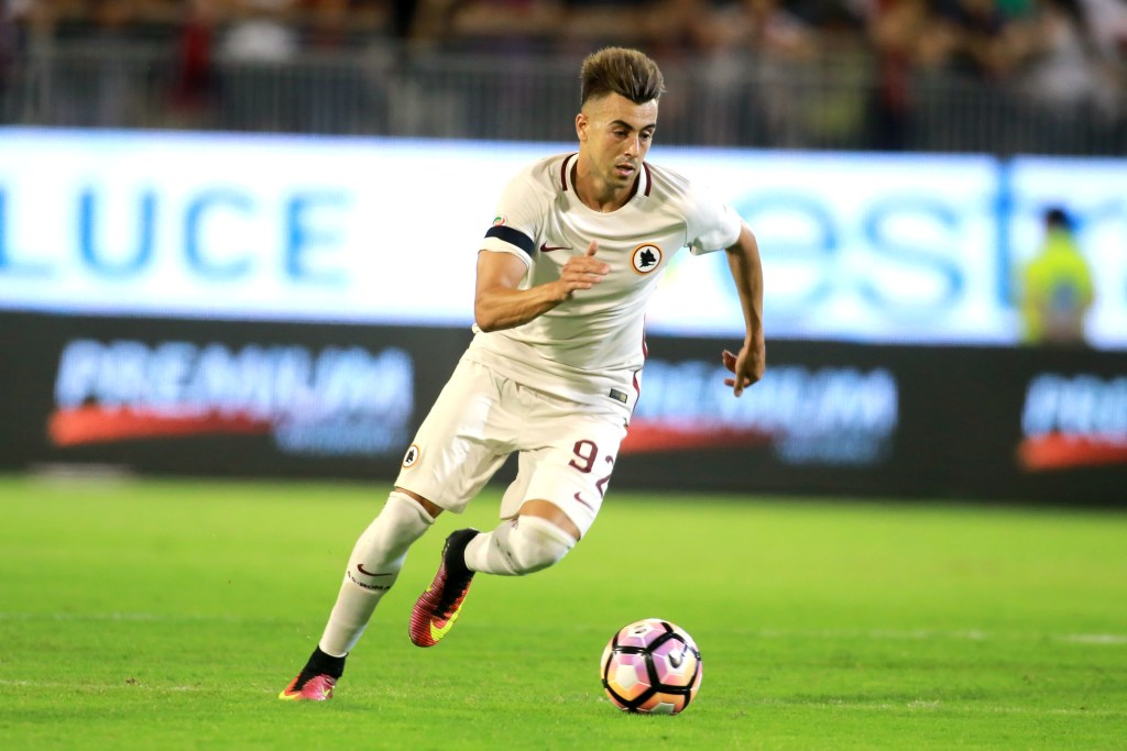 CAGLIARI, ITALY - AUGUST 28: Stephan El Shaarawy of Roma in action   during the Serie A match between Cagliari Calcio and AS Roma at Stadio Sant'Elia on August 28, 2016 in Cagliari, Italy.  (Photo by Enrico Locci/Getty Images)