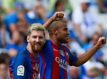 LEGANES, SPAIN - SEPTEMBER 17: Rafael Alcantara alias Rafinha (R) of FC Barcelona celebrates scoring their fifth goal with teammate Lionel Messi (L) during the La Liga match between Deportivo Leganes and FC Barcelona at Estadio Municipal de Butarque on September 17, 2016 in Leganes, Spain. (Photo by Gonzalo Arroyo Moreno/Getty Images)