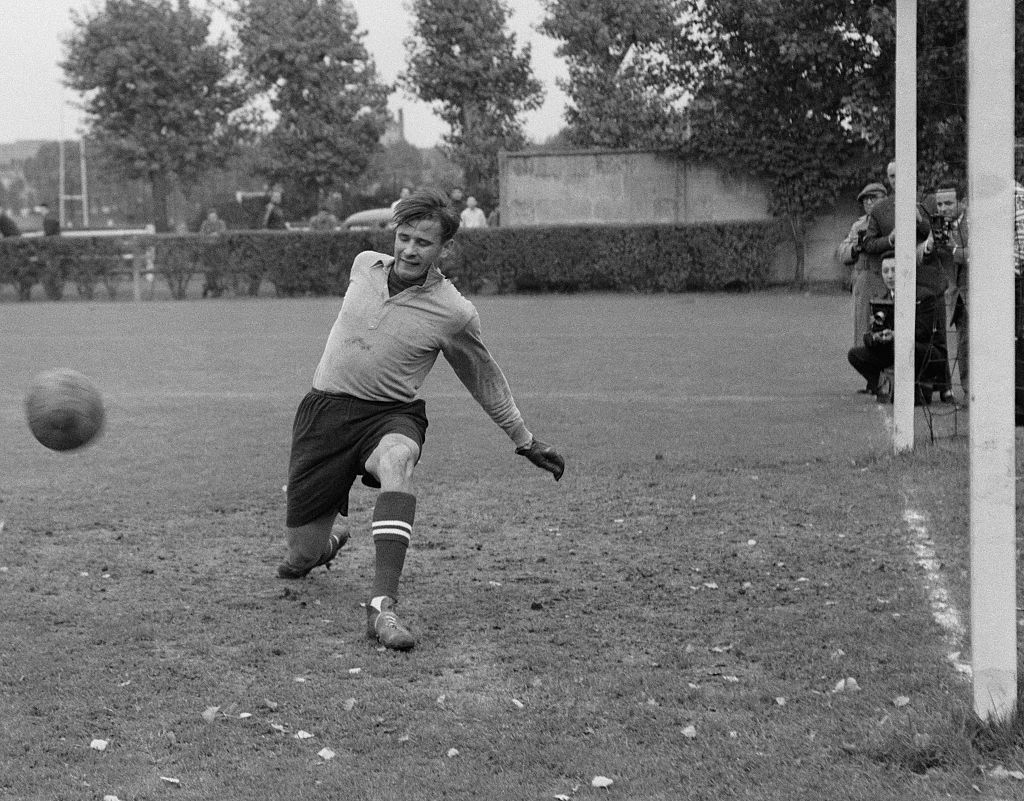 Training session of the famous Soviet goalkeeper Lev Yashin. (Photo by Universal/Corbis/VCG via Getty Images)