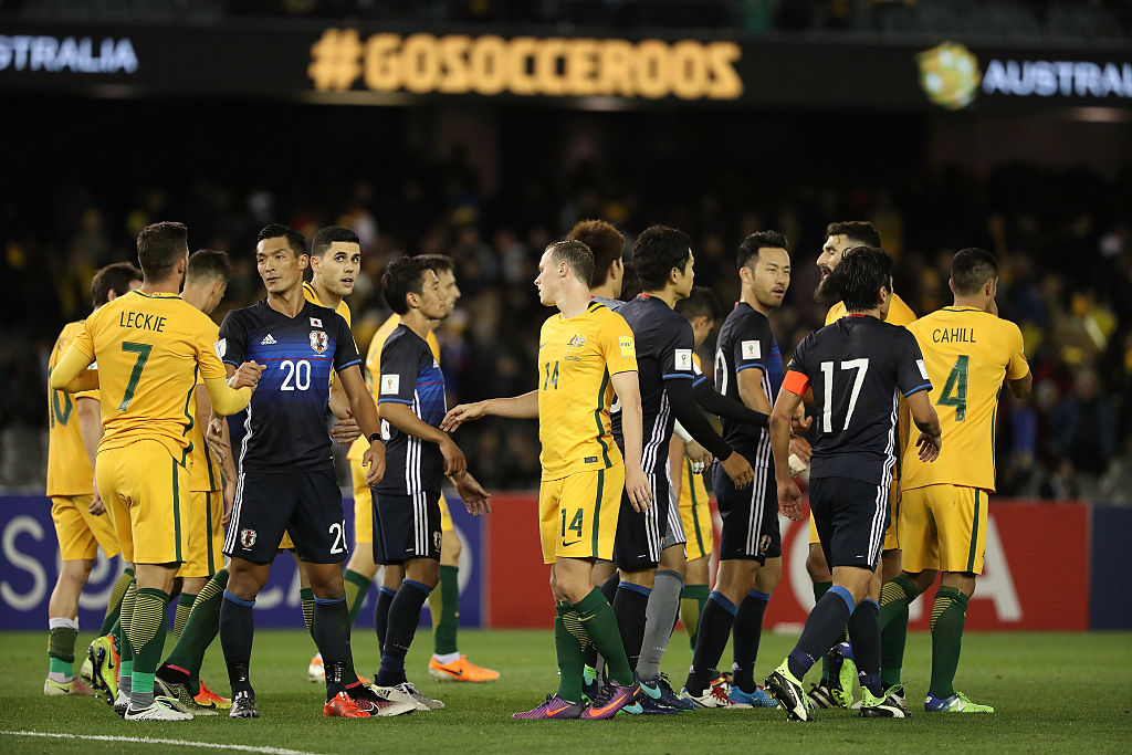 MELBOURNE, AUSTRALIA - OCTOBER 11:  The players acknowledge each other after the 2018 FIFA World Cup Qualifier match between the Australian Socceroos and Japan at Etihad Stadium on October 11, 2016 in Melbourne, Australia.  (Photo by Robert Cianflone/Getty Images)