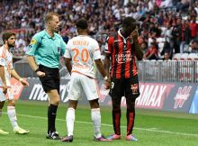 Olivier Thual referee, Mario Balotelli of Nice and Steven Moreira of Lorient during the Ligue 1 match between OGC Nice and FC Lorient on October 2, 2016 in Nice, France. (Photo Pascal Della Zuana /Icon Sport) (Photo by Agence Nice Presse/Icon Sport via Getty Images)