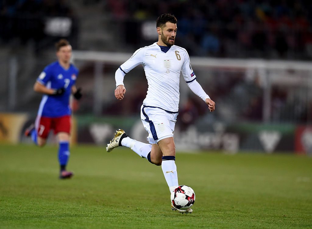 VADUZ, LIECHTENSTEIN - NOVEMBER 12:  Antonio Candreva of Italy in action during the FIFA World Cup 2018 group G Qualifiers football match beetween Liechtenstein and Italy at the Rheinpark Stadion on November 12, 2016 in Vaduz, Liechtenstein.  (Photo by Claudio Villa/Getty Images)