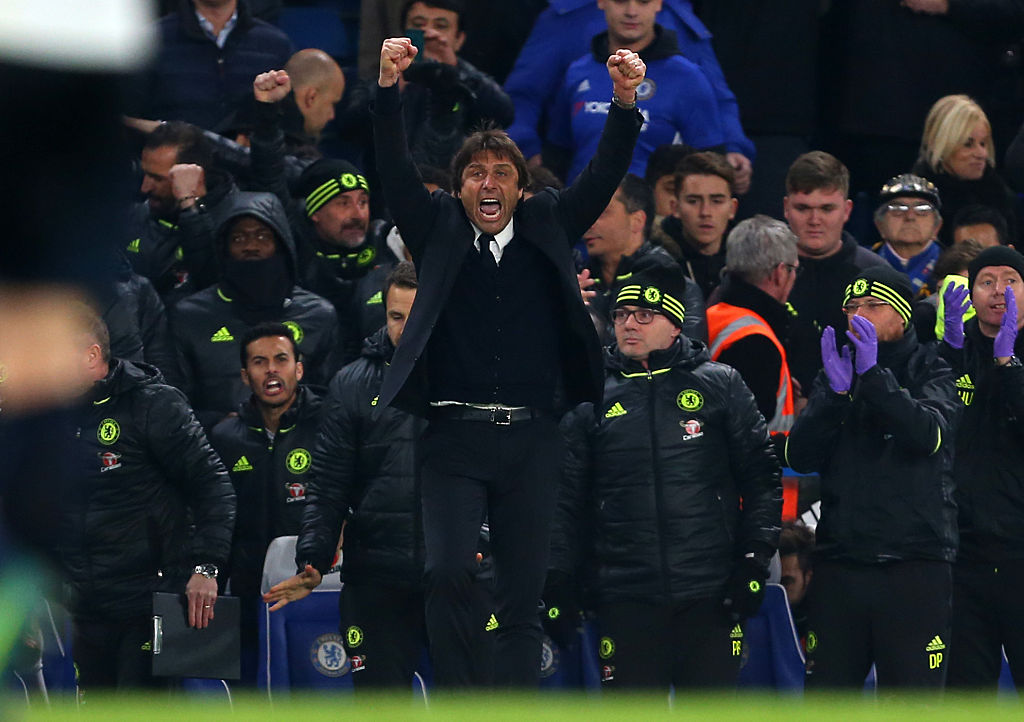 LONDON, ENGLAND - NOVEMBER 26: Antonio Conte manager / head coach of Chelsea celebrates the win on the final whistle at the Premier League match between Chelsea and Tottenham Hotspur at Stamford Bridge on November 26, 2016 in London, England. (Photo by Catherine Ivill - AMA/Getty Images)