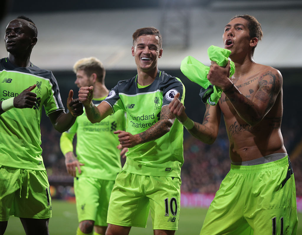 Liverpool's Roberto Firmino celebrates his goal goal during the Premier League match between Crystal Palace and Liverpool at Selhurst Park London, England on 29 October 2016. (Photo by Kieran Galvin/NurPhoto via Getty Images)
