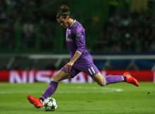 LISBON, PORTUGAL - NOVEMBER 22: Real Madrid's forward Gareth Bale from Wales in action during the UEFA Champions League match between Sporting Clube de Portugal and Real Madrid CF at Estadio Jose Alvalade on November 22, 2016 in Lisbon, Portugal.  (Photo by Gualter Fatia/Getty Images)