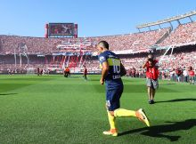 BUENOS AIRES, ARGENTINA - DECEMBER 11: Carlos Tevez of Boca Juniors enters the field ahead of the Argentine Primera Division match between River Plate and Boca Juniors at the Estadio Monumental Antonio Vespucio Liberti on December 11, 2016 in Buenos Aires, Argentina. (Photo by Chris Brunskill Ltd/Getty Images)