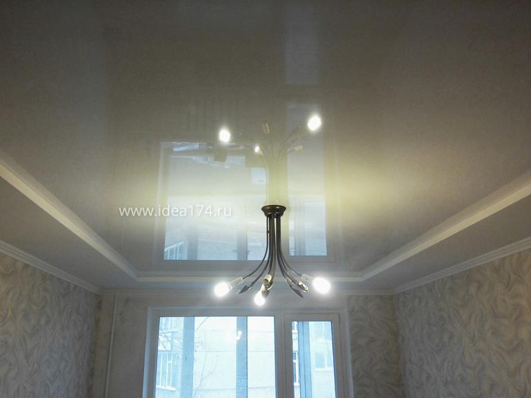 белый глянцевый потолок 18м2