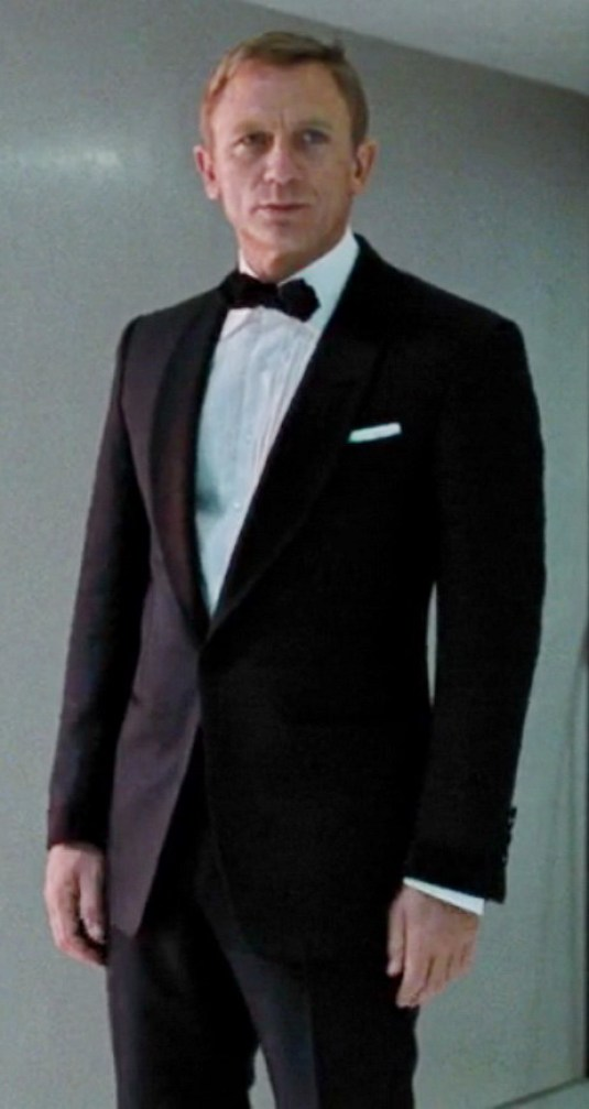 daniel-craig-suits-in-skyfall