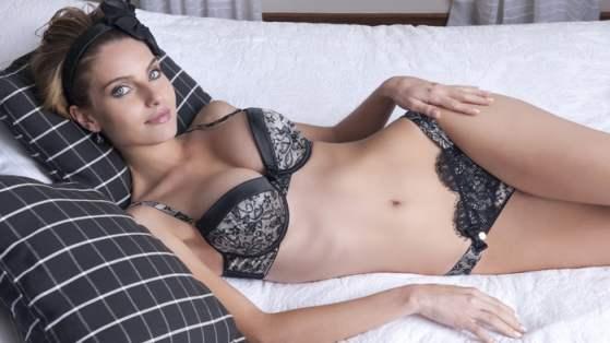 Красивая жена снимает белье фото 207-809