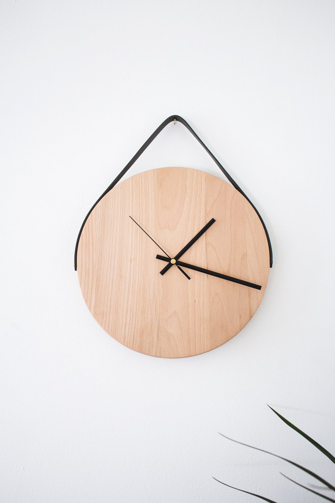 The Lovely Drawer minimal clock