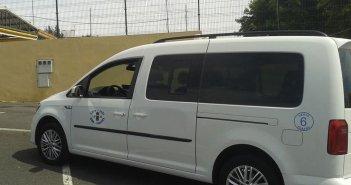 Арестован за кражу такси после высадки пассажиров в аэропорту Reina Sofia