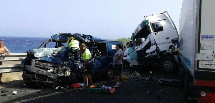 Двое погибших и один раненый во вчерашней страшной аварии на южном шоссе Тенерифе