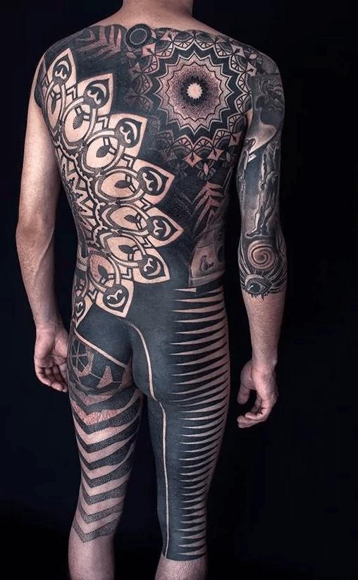 Fantastic blackwork bodysuit by Nazareno Tubaro