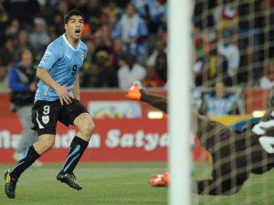 Luis Suarez zdobył gola, ale na pewno nie jest zadowolony po meczu z Boliwią