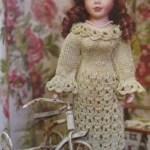 Ажурное платье для куклы, вязаное