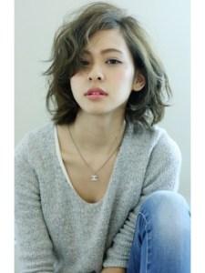 夏 ミディアム 髪型 女性、9