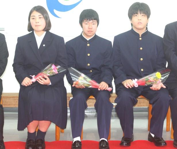 入市式(離島留学生の3人)