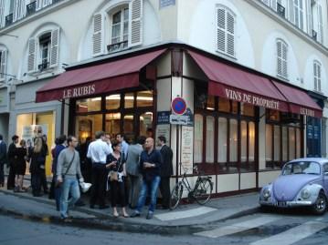 Le Rubis Wine Bar in Paris, France