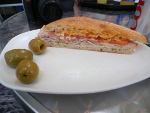 Serranita sandwich