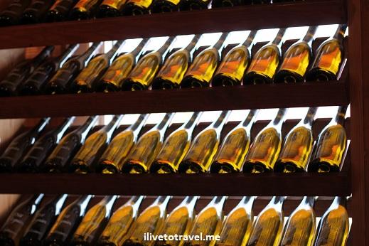 A wine wall:  wine bottles!