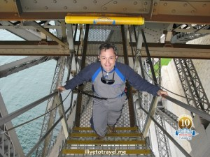 ilivetotravel climbing the Sydney Harbor Bridge in Australia