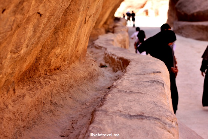 Petra, Jordan, Nabatean, archeology, ruins, history, necropolis, ancient site, exploring, Middle East, travel, photos, Canon EOS Rebel, donkey, ilivetotravel