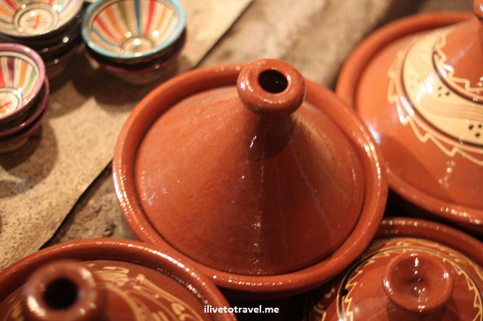 Marrakesh, clay pot, pottery, handicrafts, souvenir, market, Morocco, Olympus, travel