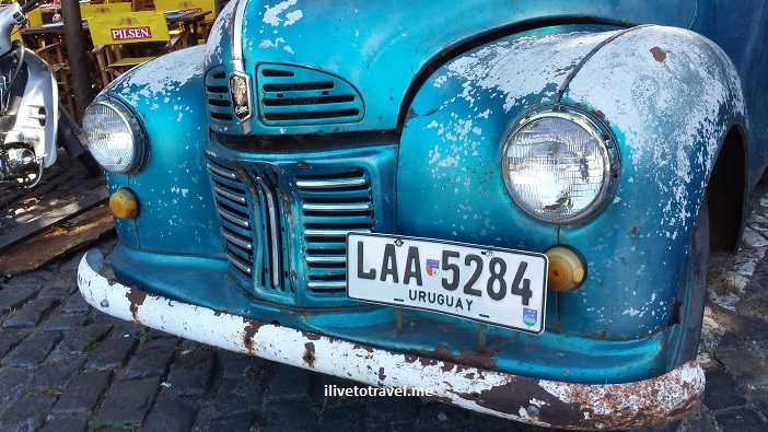 vintage car, vintage auto, Uruguay, Colonia, Sacramento, travel, photo, Samsung Galaxy, Austin, blue, living museum