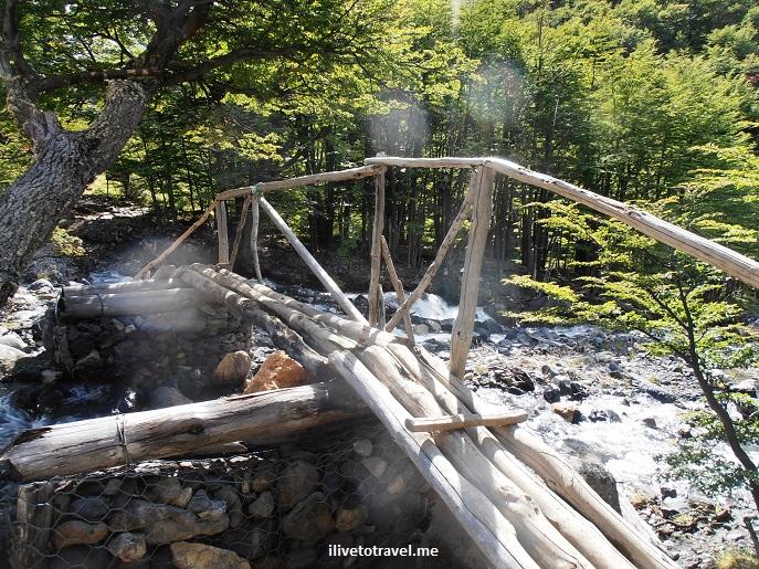 bridge, creek, Torres del Paine, mountains, Patagonia, Chile, sunlight, morning light, Olympus, photo, trekking, travel,