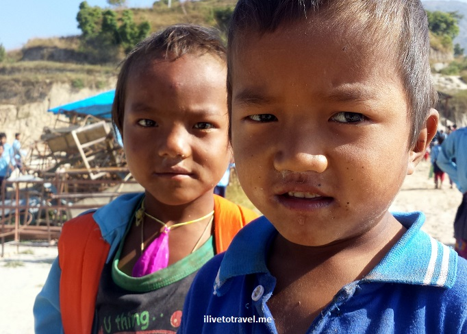 Kumari, Nuwakot, Nepal, kid, child, school, service, volunteer, Samsung Galaxy, photo, travel