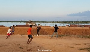 Siem Reap, Tonle Sap, Cambodia, Cambodge, travel, adventure, outdoors, sunset, travel, photo, Samsung Galaxy, S7, kids, soccer