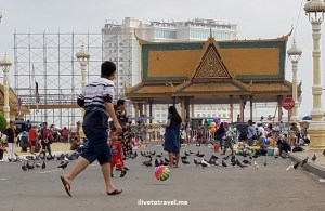 Cambodia, Phnom Penh, Royal Palace, gold, photo, travel, explore, Samsung Galaxy S7, streel life