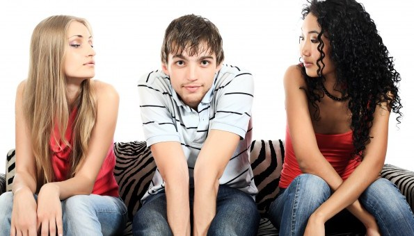 Simple Ways to Ask a Girl out If You Are Shy