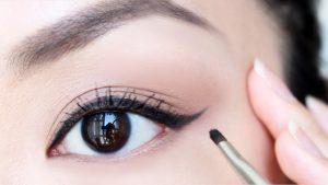 grow fuller eyelashes naturally