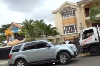 Desalojan de residencia a la merenguera María Díaz