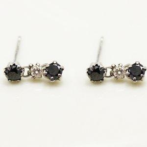 10金ホワイトゴールド 0.5ctブラックダイヤモンド&ブラウンダイヤモンドピアス3ストーンスウィングスタッドピアス