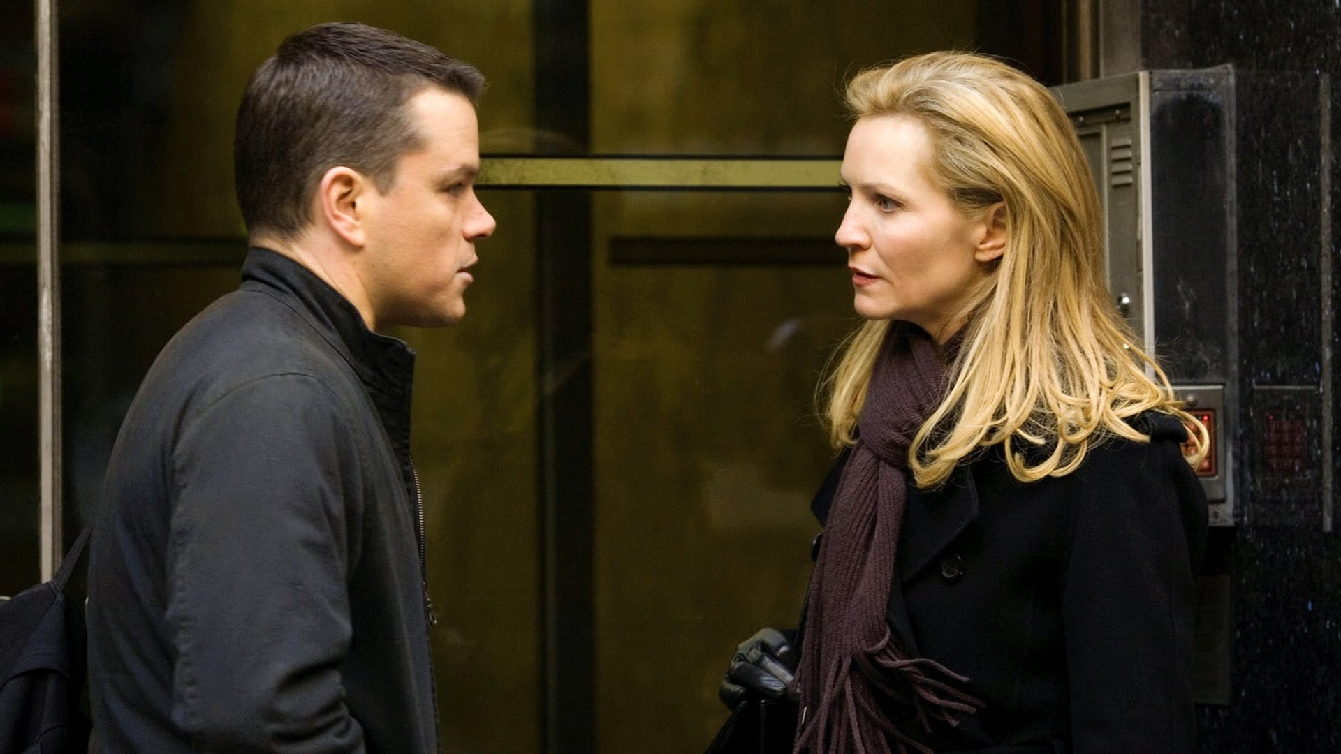 Watch The Bourne Ultimatum 2007 Movie Trailer