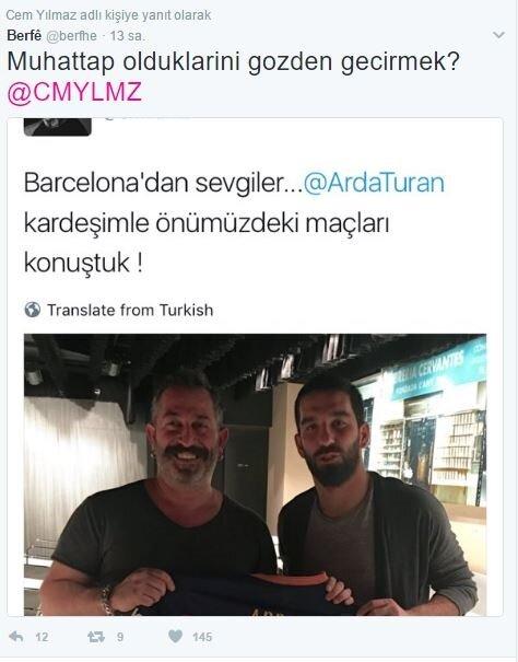 Takipçisi Cem Yılmaz'ın tweetlerine yanıt olarak bu fotoğrafı paylaştı.