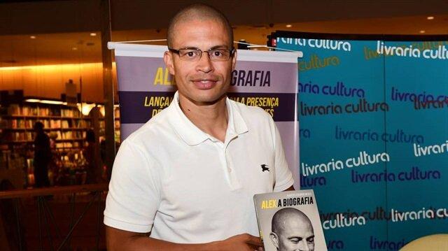 Alex de Souza yeni kitabının lansmanını önceki günlerde yapmıştı. Brezilyalı yıldız kariyerindeki bilinmeyenleri kitabında açıkladı.