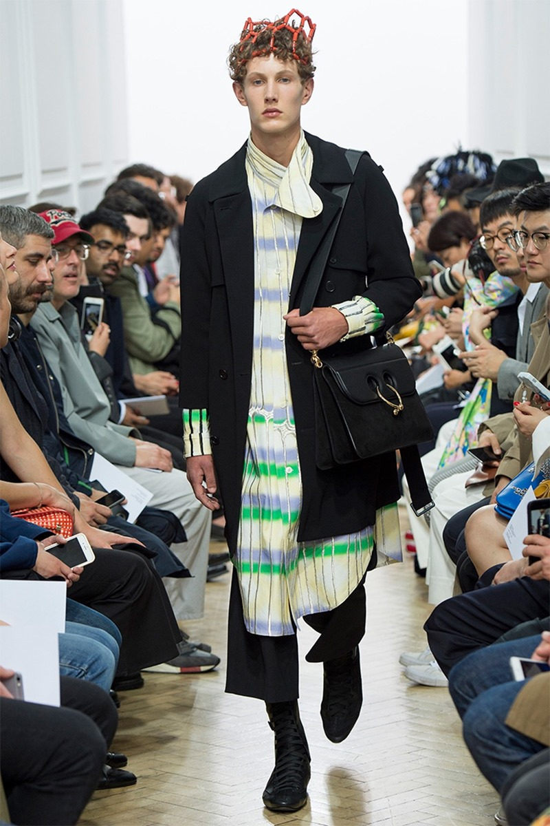 LONDON COLLECTIONS MEN J.W. Anderson Spring 2017. www.imageamplified.com, Image Amplified (2)