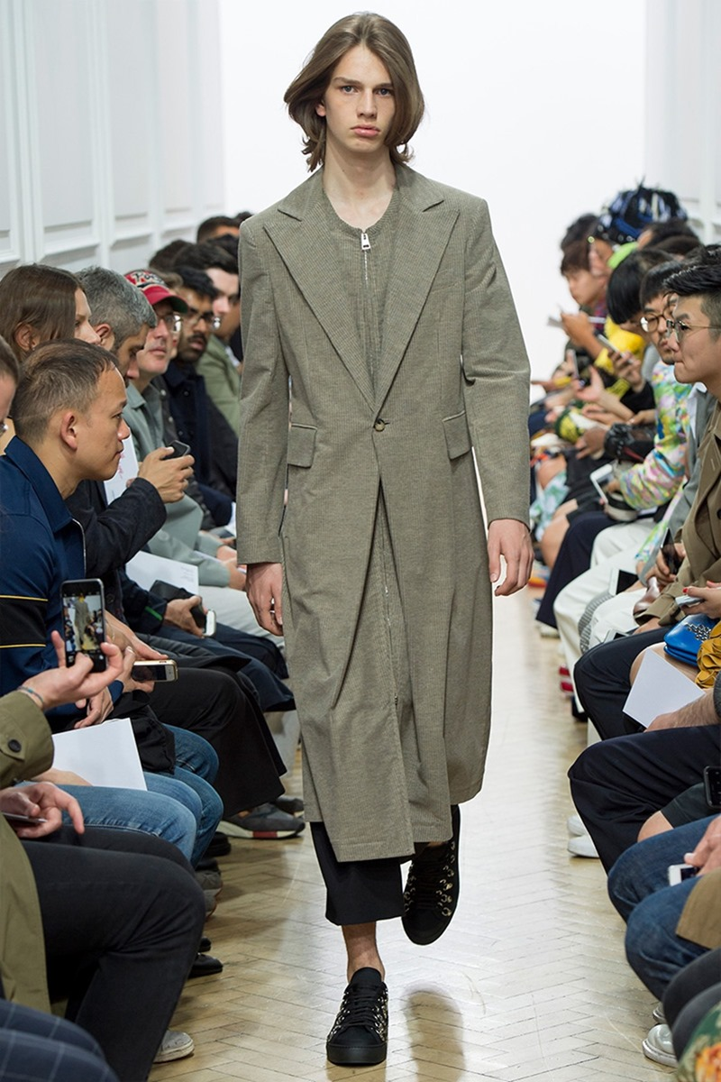 LONDON COLLECTIONS MEN J.W. Anderson Spring 2017. www.imageamplified.com, Image Amplified (37)