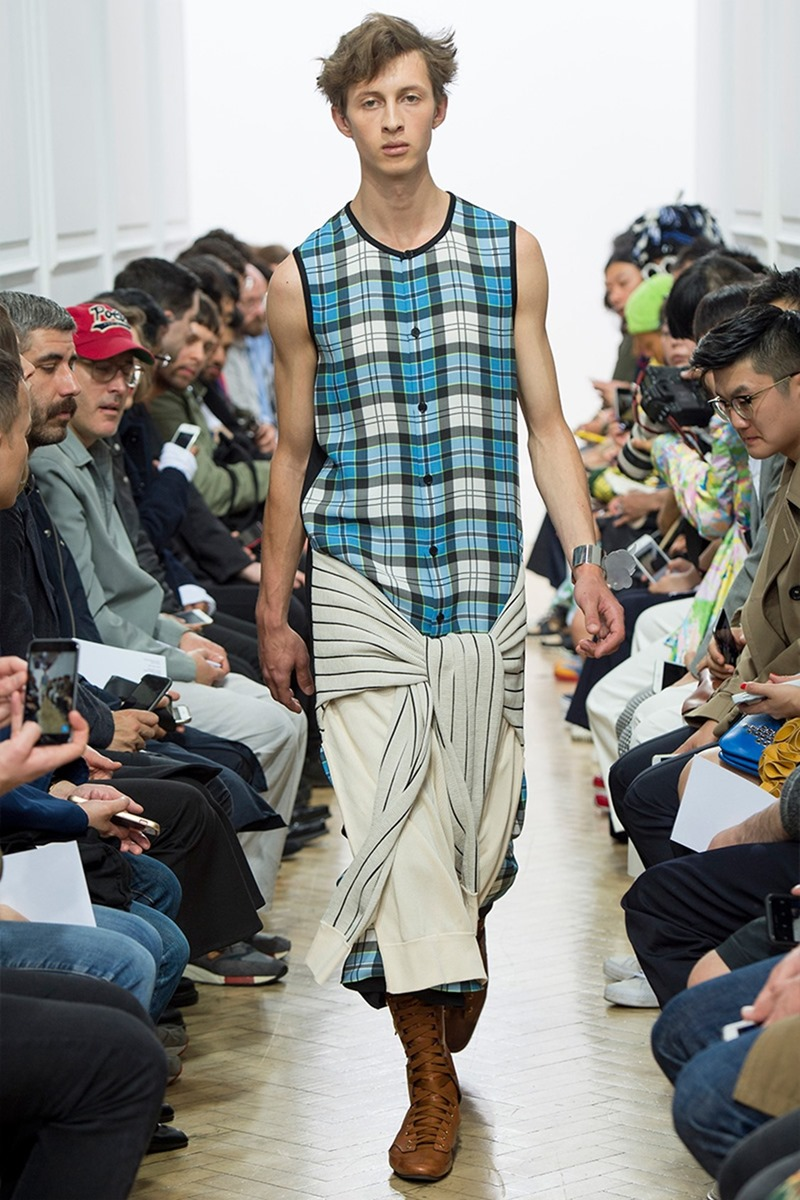 LONDON COLLECTIONS MEN J.W. Anderson Spring 2017. www.imageamplified.com, Image Amplified (38)