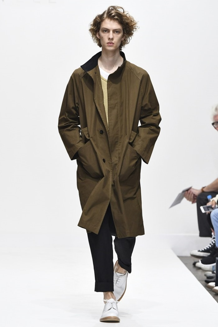 LONDON COLLECTIONS MEN Margaret Howell Spring 2017. www.imageamplified.com, Image Amplified (24)